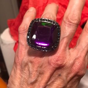 Jewelry - Gorgeous and large deep purple stone square ring